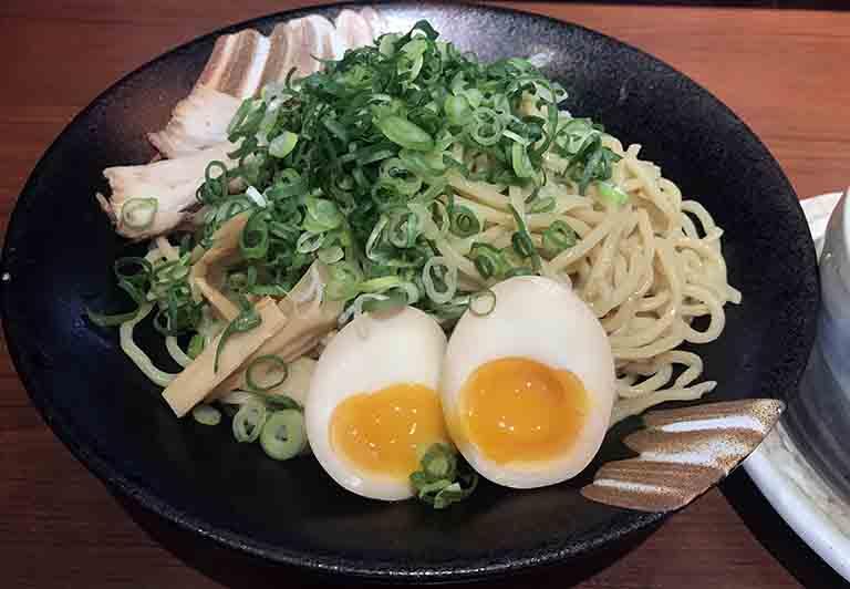 旨辛ゴマ味噌ピリカつけ麺の写真